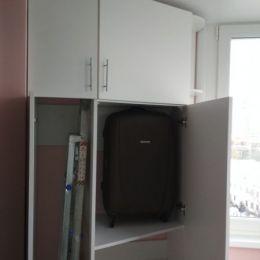 Шкаф-распашной-балкон-02
